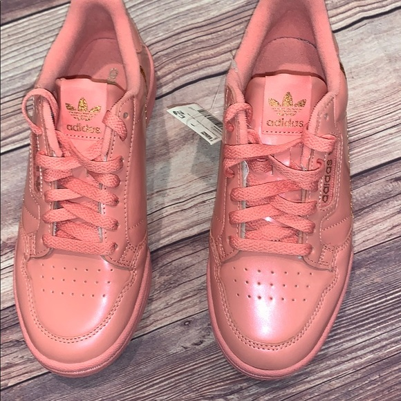 sinistra Artificiale vecchio  adidas Shoes | Nwt Pink And Gold Sneakers Size 65 | Poshmark
